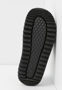 Nike Sportswear - CITY SLIDE - Pantofle - black - 6