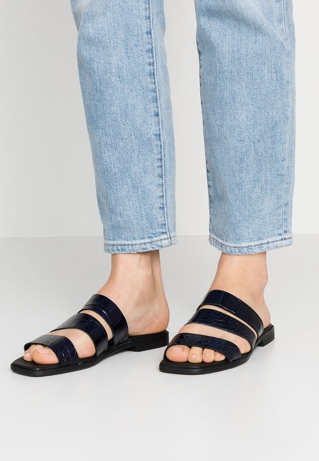 FUGI  - Pantofle - dark sapphire