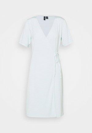 VMKATE SHORT DRESS - Jerseykjole - icy morn/white