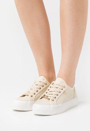 ELKE - Sneakers laag - offwhite
