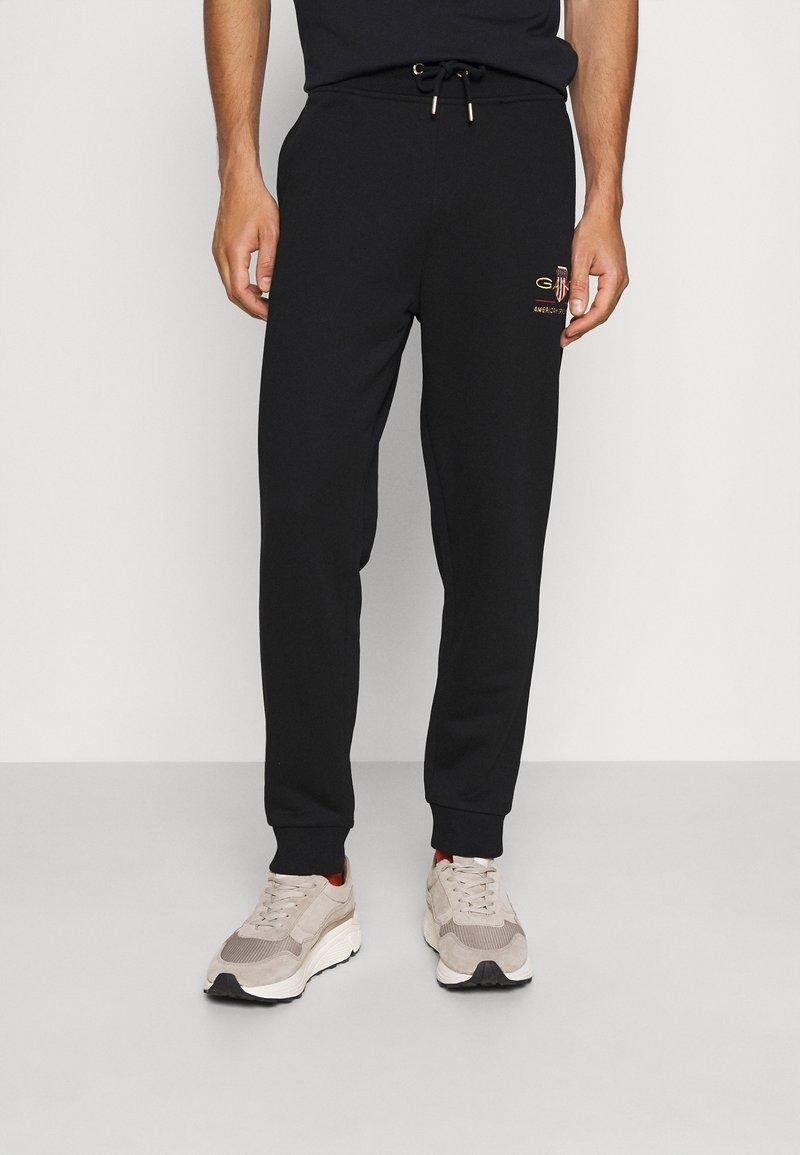 GANT - ARCHIVE SHIELD  - Teplákové kalhoty - black
