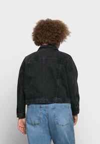 Vero Moda Curve - VMMIKKY SHORT JACKET - Denim jacket - black - 2