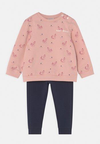 BABY SET - Tuta - pink dogwood