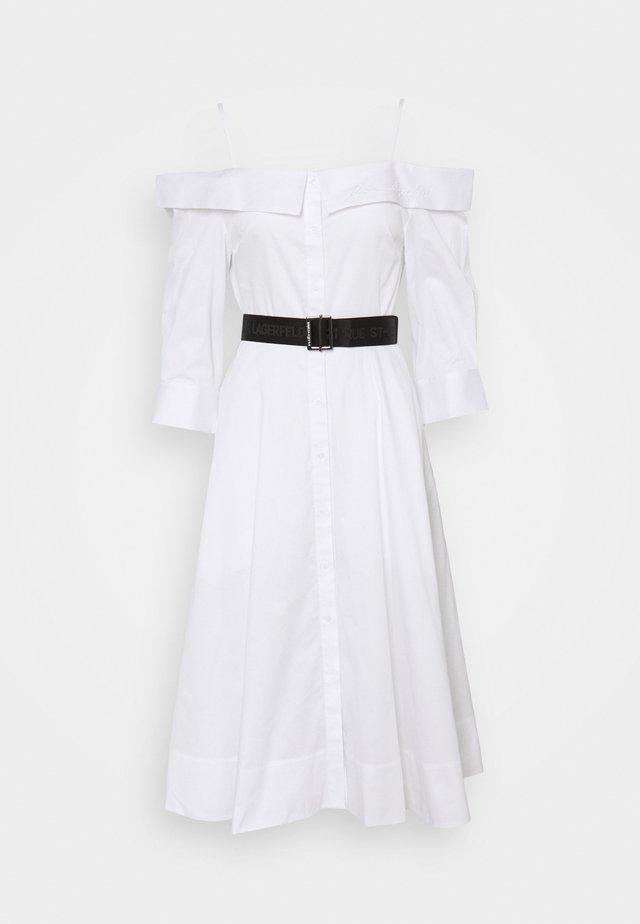COLD SHOULDER SHIRT DRESS - Korte jurk - white