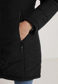 Jack Wolfskin - SVALBARD COAT WOMEN - Winter coat - black - 6