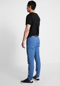 Scotch & Soda - MOTT CLASSIC GARMENT DYED - Chino - worker blue - 2