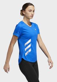 adidas Performance - RUN IT 3-STRIPES FAST T-SHIRT - Print T-shirt - blue - 1