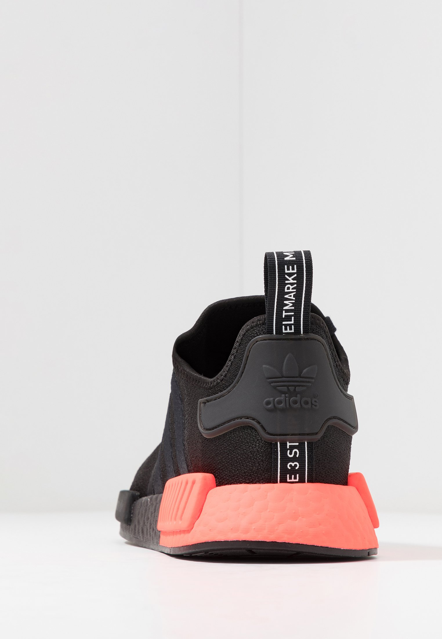 adidas Originals NMD_R1 Sneakers core blacksolar red