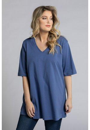RELAXED FIT - Basic T-shirt - atlantikblau