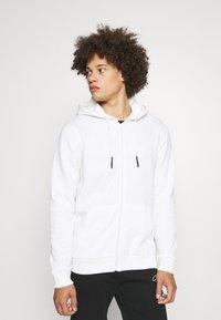 Only & Sons - ONSCERES LIFE ZIP HOODIE - Zip-up sweatshirt - bright white - 0