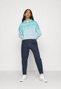Tommy Jeans - SUMMER TIE DYE HOODIE - Sweat à capuche - light blue - 1