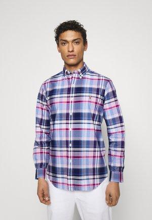 CUSTOM FIT PLAID OXFORD SHIRT - Koszula - pink/blue/multicoloured