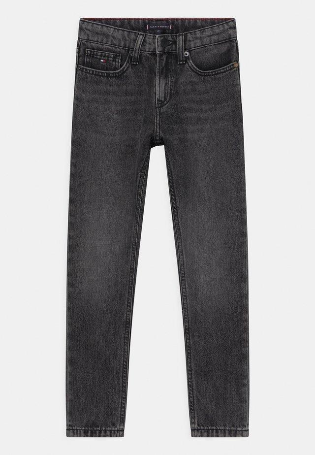 SPENCER SLIM TAPERED - Slim fit jeans - grey denim