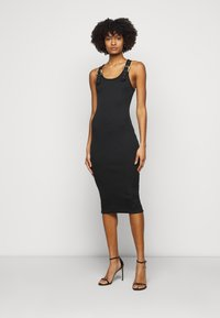 Versace Jeans Couture - DRESS - Sukienka dzianinowa - black - 0