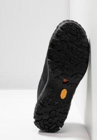 Mammut - DUCAN - Hiking shoes - black/dark titanium - 4