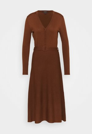 DRESS - Jumper dress - toffee