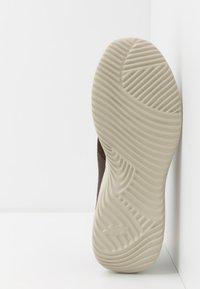 Skechers Sport - BOUNDER - Sneaker low - brown - 4