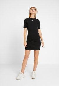 adidas Originals - TEE DRESS - Vestido de tubo - black - 1
