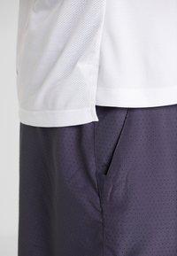 Nike Performance - DRY MILER TANK - Camiseta de deporte - white/vast grey/reflective silver - 8