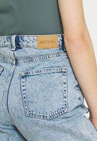 Monki - BEA  - Shorts di jeans - blue dusty light - 3