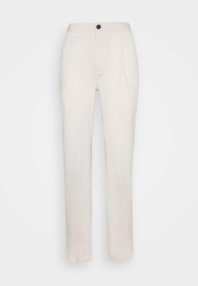 PAPER POP PLEAT PANT - Broek - canvas beige