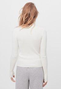 Bershka - Sweter - white - 2