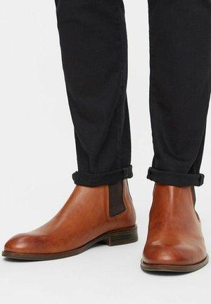 BANDOLERO CHELSEA - Classic ankle boots - brandy