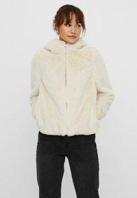 Vero Moda - Winter jacket - birch - 0