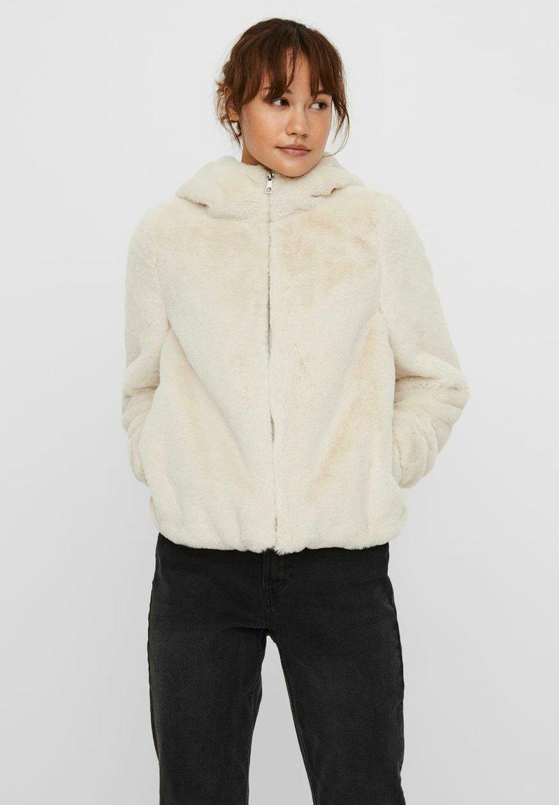 Vero Moda - Winter jacket - birch