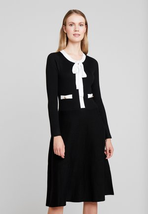 NAJA - Robe pull - black