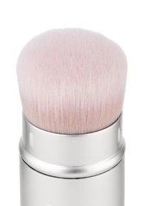 RMS Beauty - KABUKI POLISHER BRUSH - Makeup brush - - - 1