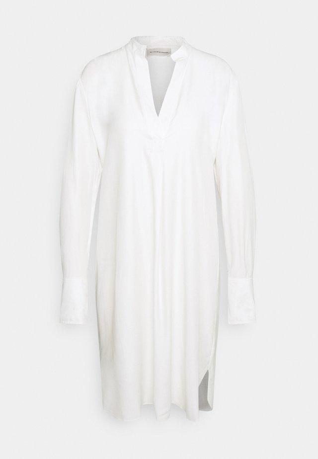 MABILLA - Korte jurk - soft white