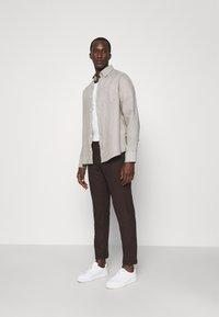 Les Deux - COMO SUIT PANTS - Trousers - burgundy - 1