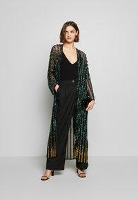 MANÉ - CETO DRAWSTRING - Summer jacket - washed black/emerald - 1