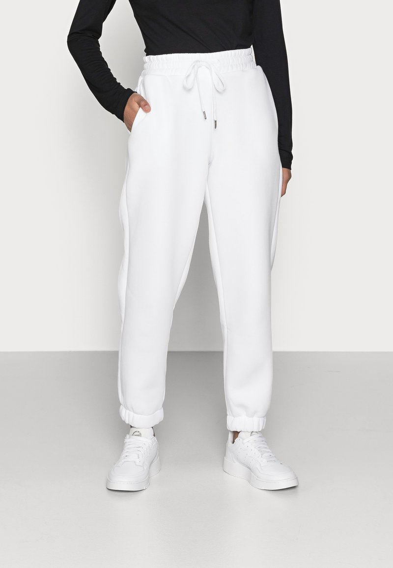 Noisy May Petite - NMPERCY PANT - Tracksuit bottoms - bright white