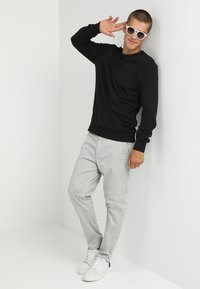 Jack & Jones - Sweatshirt - black - 1