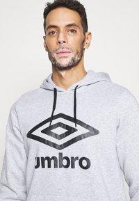 Umbro - LARGE LOGO HOODIE - Hoodie - grey marl/black - 5