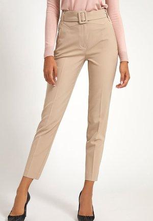 ZIGARETTEN GÜRTEL - Trousers - beige