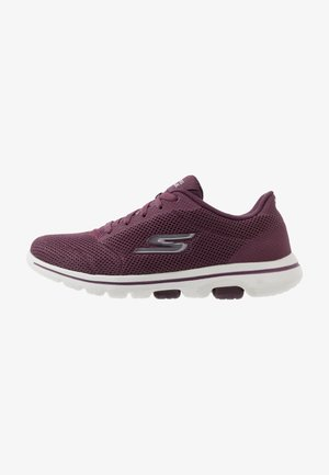 GO WALK 5 - Walking trainers - burgundy