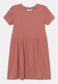 Name it - NMFHANILLA DRESS - Žerzejové šaty - desert sand - 0