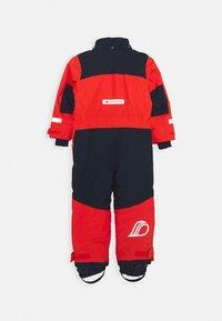 Didriksons - BJÖRNEN KIDS COVER - Snowsuit - poppy red - 3