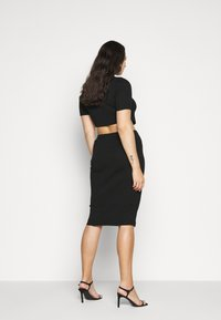 Missguided Plus - MIDAXI SKIRT - Pencil skirt - black - 2