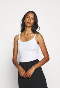 Marks & Spencer London - 2 PACK - Maglietta intima - white - 1