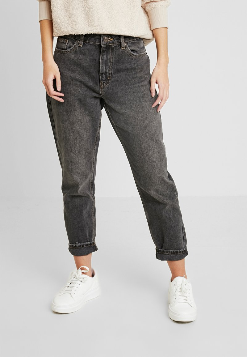 Topshop Petite - MOM CLEAN - Jeansy Relaxed Fit - washed