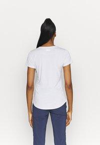 Columbia - TRINITY TRAIL™ II GRAPHIC - T-shirt con stampa - white - 2