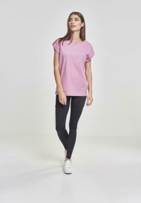 Urban Classics - EXTENDED SHOULDER TEE - Basic T-shirt - coolpink - 1