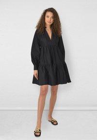 Ro&Zo - FRILL COLLAR TIERED - Day dress - black - 1