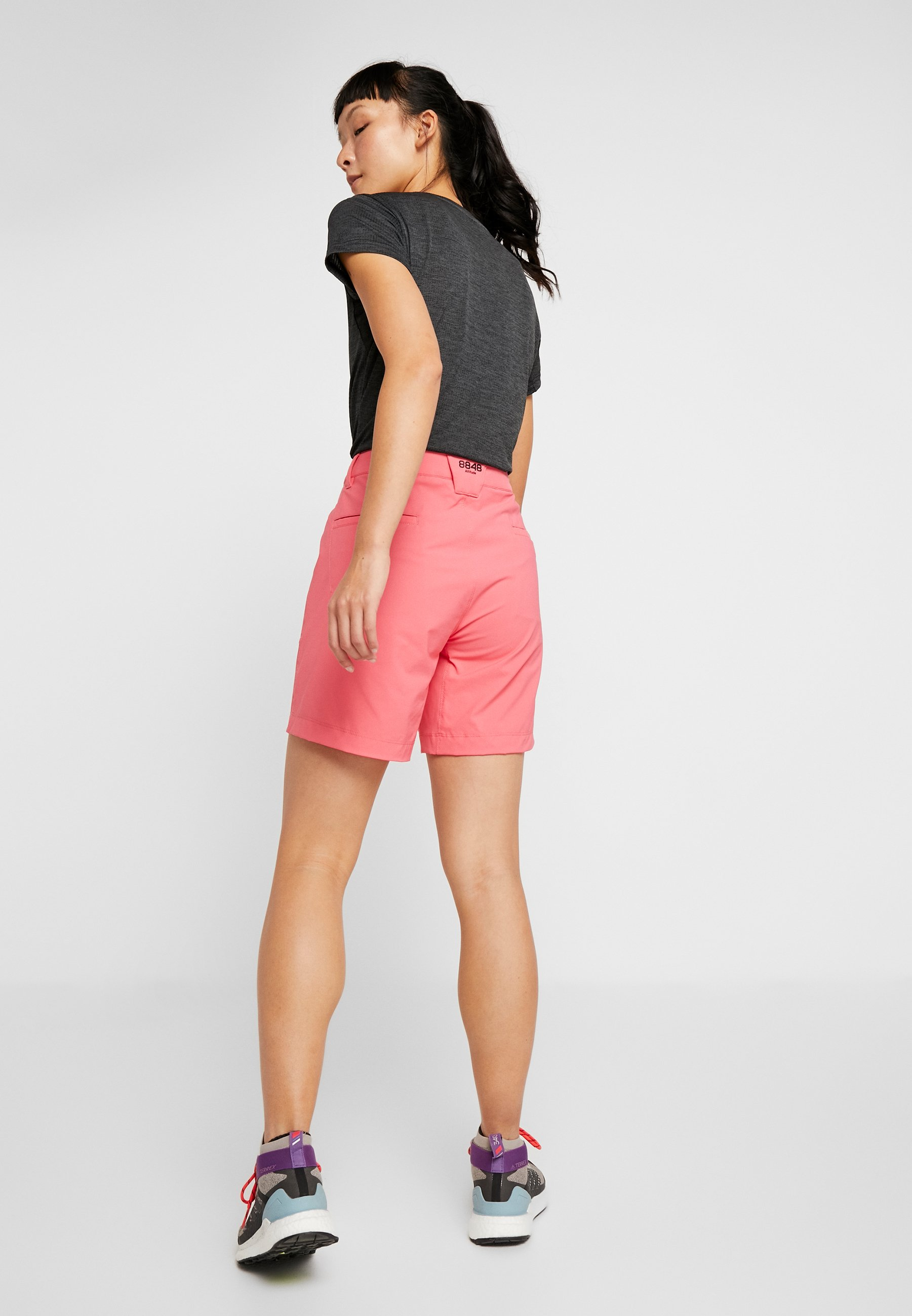 8848 Altitude EALA SHORTS - Sports shorts - magenta