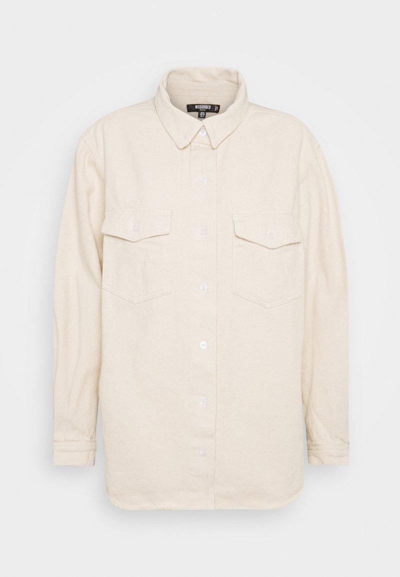 Missguided Petite - SUPER OVERSIZED BOYFRIEND - Button-down blouse - sand