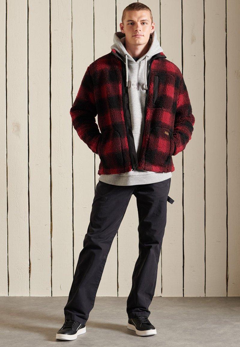 Superdry - WORKWEAR - Fleece jacket - black/red